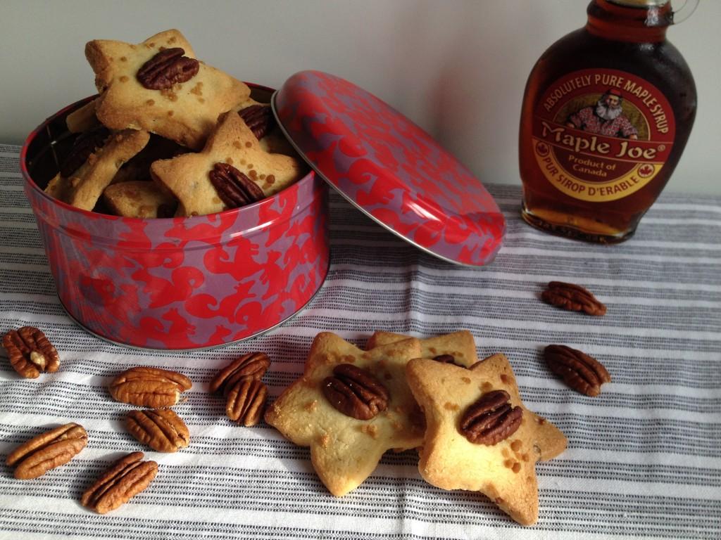 Sablés étoiles: noix de pécan et sirop d'érable